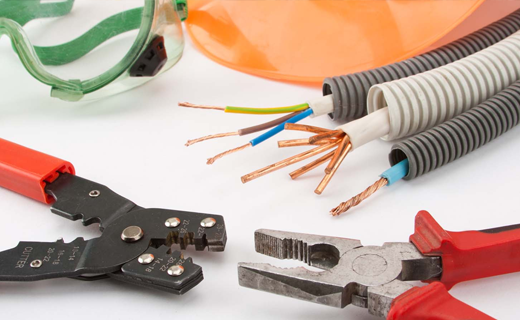 What to Look Out For While Hiring an Emergency Electrician