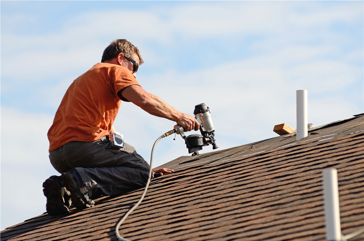 Top 5 Benefits Of Hiring A Professional Roofing Contractor | My Decorative