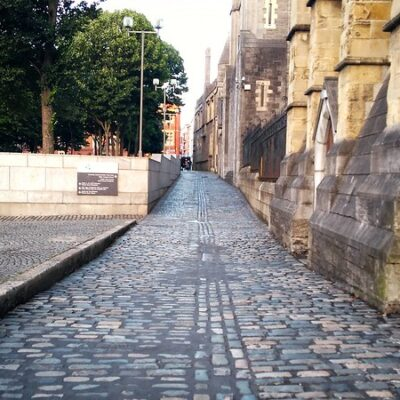 Benefits of Using Commercial and Residential Paving Services